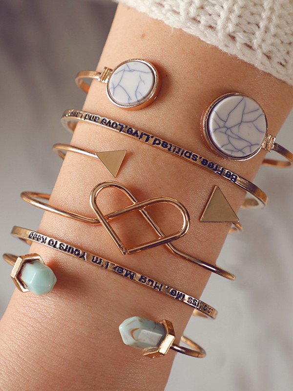 Trending Alloy With Heart Bracelets(6 Pieces)
